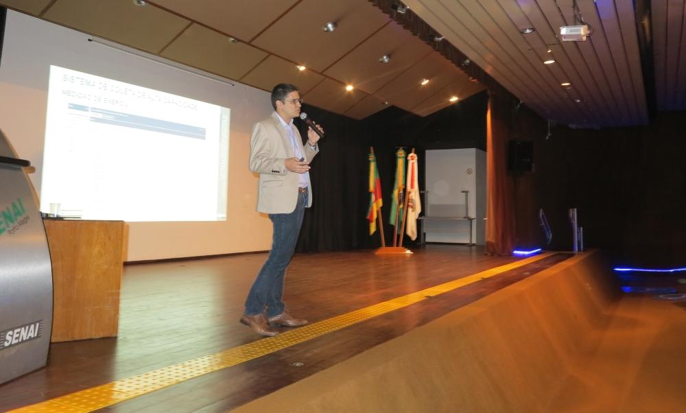 Marcelo Salvador, diretor de negócios da Elipse, abriu a palestra destacando as vantagens que podem ser obtidas com o uso da IIoT