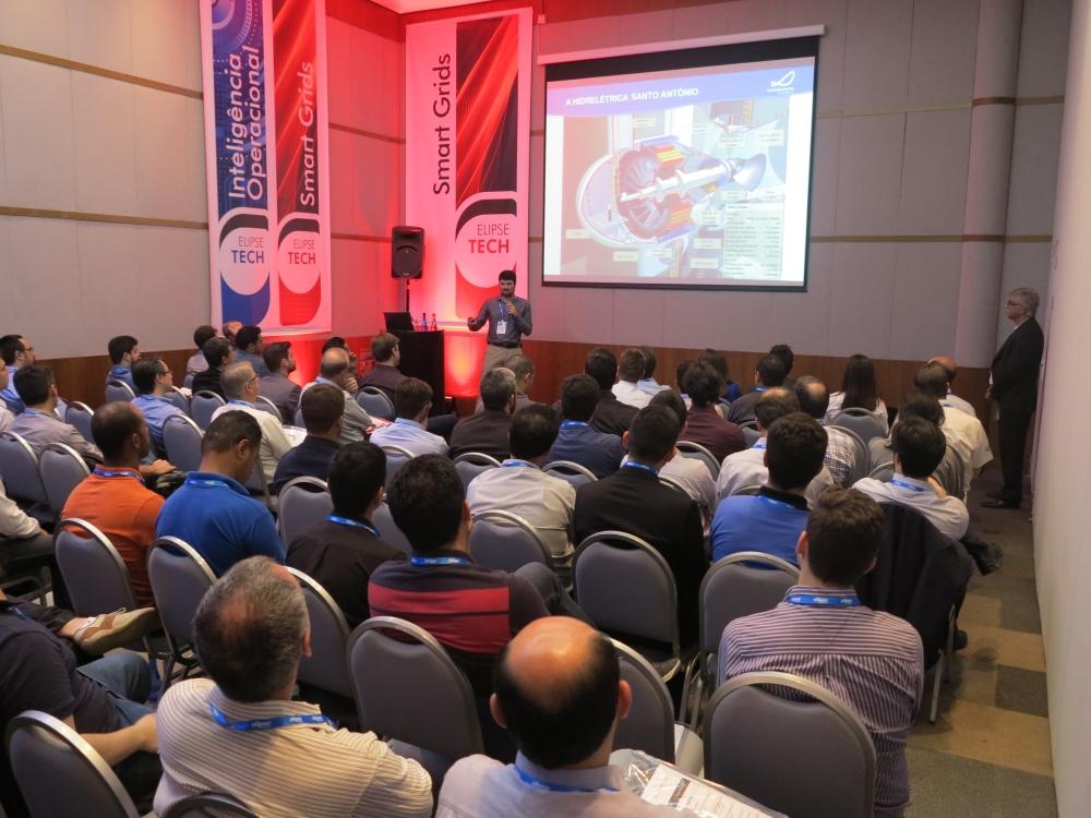 Grazinoli descreveu como o Elipse Plant Manager lhes permite acessar rapidamente os dados sobre as turbinas e demais equipamentos da Usina Hidrelétrica Santo Antônio
