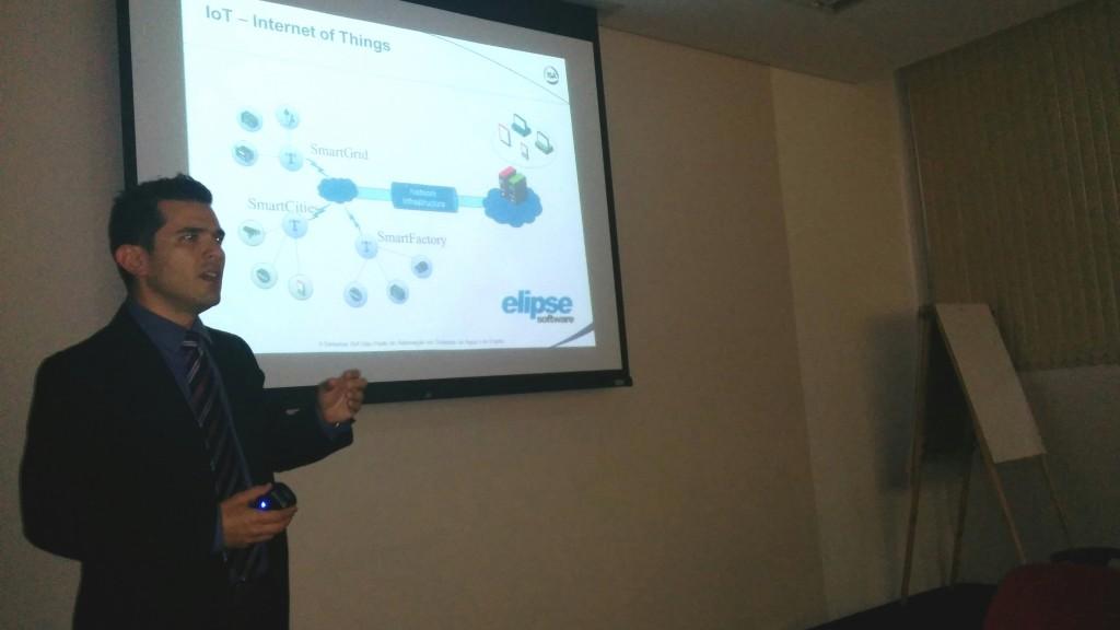 Samir Lima, consultor da Elipse, falando sobre IIoT
