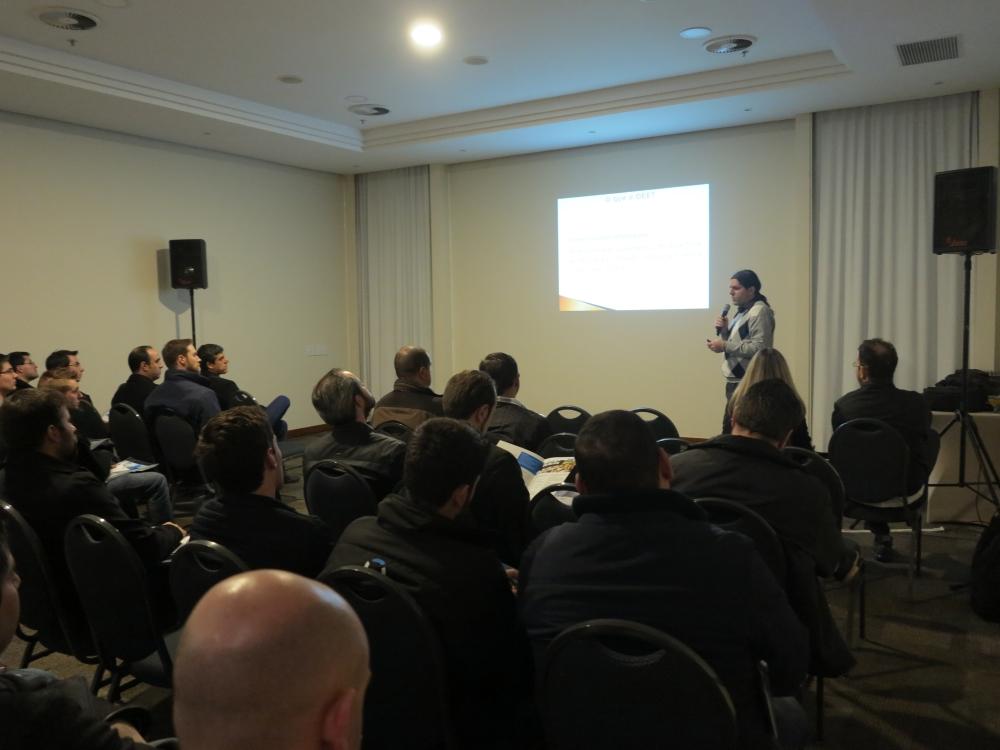Figura 1. Leandro Roberto Colato de Morais, sócio-diretor da TagInfo, citou os benefícios que podem ser obtidos com o uso do OEE