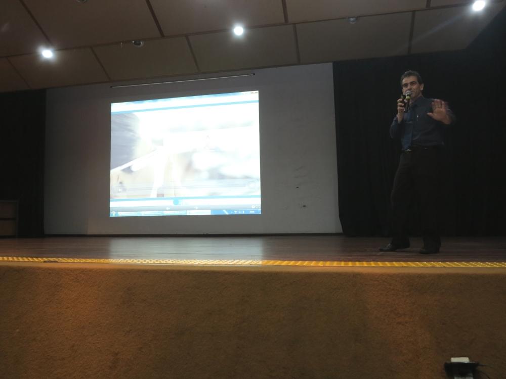 Palestrante João Alvarez Peixoto, engenheiro especialista em pesquisa, desenvolvimento e inovação do SENAI