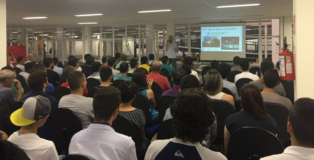 Palestra atraiu mais de 100 estudantes de tecnologia de automação industrial da Fatec Osasco