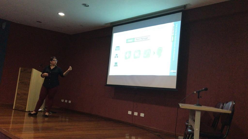 Paola Mariani da Silva, consultora técnica da Elipse, falando sobre o Elipse Plant Manager