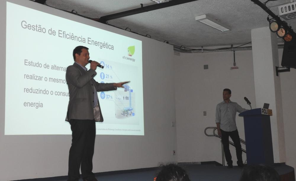 Mauro Fernando Vitorazo falou sobre o uso do Python para gestão de eficiência energética em prédios inteligentes