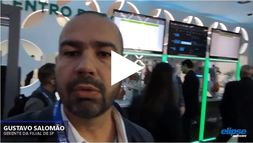 Gustavo Salomão, Gerente da Elipse-SP, explica como funciona a célula de manufatura apresentada pela empresa